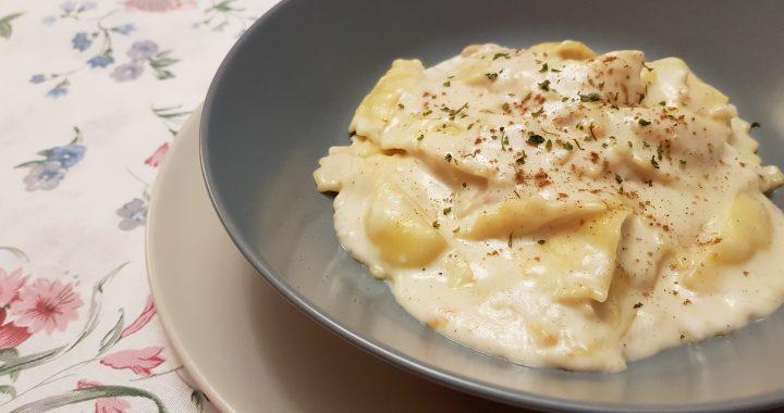 Raviolis en salsa de queso